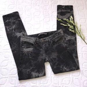 EXPRESS STELLA Low Skinny Jeans Black Tie Dye 4